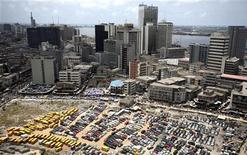 <p>An aerial view shows the central business district in Nigeria's commercial capital of Lagos, April 7, 2009. REUTERS/Akintunde Akinleye</p>