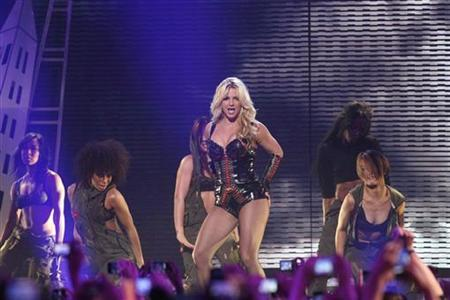 Singer Britney Spears performs on ABC's ''Good Morning America'' at Bill Graham Civic Auditorium in San Francisco, California March 27, 2011. . REUTERS/Stephen Lam