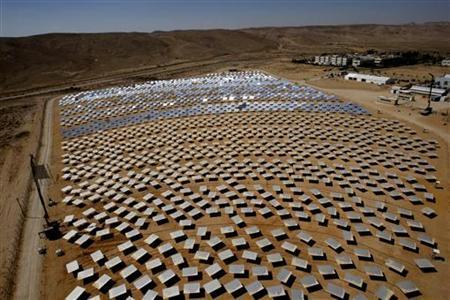 A general view of the BrightSource Energy's Solar Energy Development Center (SEDC) is seen in Rotem Industrial Park near the southern town of Dimona June 12, 2008. REUTERS/Ronen Zvulun