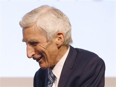 Martin Rees is seen in central London, April 1, 2010. REUTERS/Andrew Winning