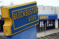 <p>Loja da Blockbuster é vista no Colorado. A Dish Network venceu o leilão pela deficitária Blockbuster por 320 milhões de dólares, assumindo o controle de mais de 1,7 mil lojas da marca. 06/04/2011 REUTERS/Rick Wilking</p>