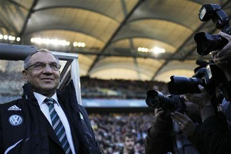 VfL Wolfsburg's head coach Felix Magath arrives for their Bundesliga first division soccer match in Stuttgart, March 20, 2011. REUTERS/Alex Domanski