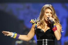 <p>Fergie of the Black Eyed Peas performs at the 24th annual Nickelodeon Kids' Choice Awards in Los Angeles April 2, 2011. REUTERS/Mario Anzuoni</p>