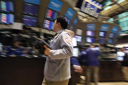 Traders work on the floor of the New York Stock Exchange, April 8, 2011. REUTERS/Brendan McDermid