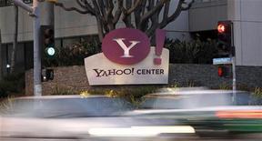 <p>Les résultats trimestriels de Yahoo ont battu le consensus. Le bénéfice net du premier trimestre ressort à 223 millions de dollars, soit 17 cents par action. /Photo prise le 18 avril 2011/REUTERS/Mario Anzuoni</p>