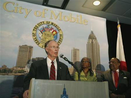 Alabama Governor Robert Bentley speaks during a news conference at the Arthur R. Outlaw Convention Center in Mobile, Alabama February 24, 2011. REUTERS/ Lyle W. Ratliff
