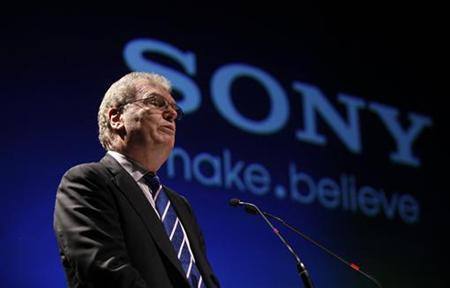 Howard Stringer, chief executive and president of Sony Corporation, speaks at a function to launch the Sony Media Technology Centre at a film school on the outskirts of Mumbai March 4, 2011. REUTERS/Danish Siddiqui