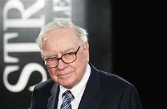 "<p>Investor Warren Buffet arrives for the premiere of the film ""Wall Street: Money Never Sleeps"" in New York September 20, 2010. REUTERS/Lucas Jackson</p>"