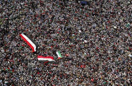 People gather during a demonstration at Tahrir Square in Cairo May 13, 2011. REUTERS/Amr Abdallah Dalsh