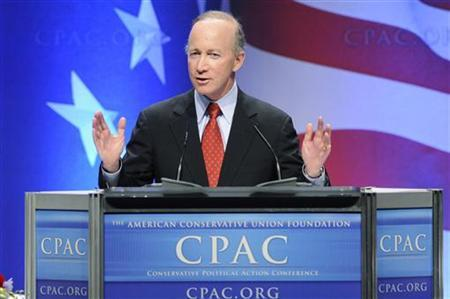Indiana Governor Mitch Daniels speaks at the Conservative Political Action conference (CPAC) dinner in Washington February 11, 2011. REUTERS/Jonathan Ernst