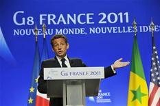 """<p>Президент Франции Николя Саркози выступает на саммите """"Большой восьмерки"""" в Довиле 27 мая 2011 года. Президент Франции Николя Саркози назвал невозможными переговоры с ливийским лидером, несмотря на готовность Кремля выступить посредником в попытке убедить Муаммара Каддафи сложить полномочия. REUTERS/Philippe Wojazer</p>"""
