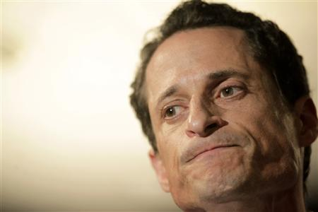 Congressman Anthony Weiner reacts as he speaks to the press in New York, June 6, 2011. REUTERS/Brendan McDermid