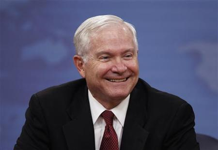 U.S. Secretary of Defense Robert Gates smiles during his final official news conference at the Pentagon near Washington, June 16, 2011. REUTERS/Jason Reed