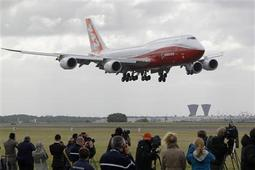 New elongated Boeing 747-8 debuts in Paris