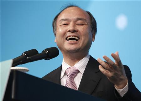 Japan's Softbank Chief Executive Masayoshi Son delivers a keynote speech during the Global Green Growth Summit 2011 at a hotel in Seoul June 20, 2011. REUTERS/Truth Leem