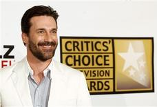 <p>Actor John Hamm poses at the inaugural Critics' Choice Television Awards in Beverly Hills, California, June 20, 2011. REUTERS/Mario Anzuoni</p>