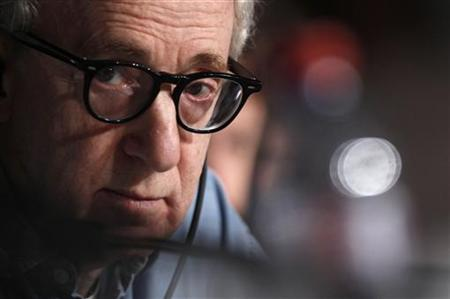 Director Woody Allen attends a news conference for his film ''Midnight In Paris'' at the 64th Cannes Film Festival, May 11, 2011. REUTERS/Jean-Paul Pelissier