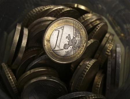 A picture illustration taken in Warsaw on January 18, 2011, shows a one euro coin. REUTERS/Kacper Pempel