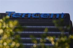 <p>Foto de archivo de la casa matriz de la firma Tencent Holdings en el parque industrial de Nanshan en Shenzhen, China, jun 9 2011. Tencent Holdings, la tercera mayor firma de Internet del mundo, aspira a ser el Facebook, Twitter y Google de China, todo en uno. REUTERS/Bobby Yip</p>
