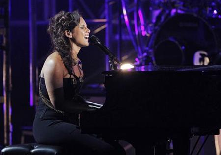 Singer Alicia Keys performs at the 2011 BET Awards in Los Angeles, June 26, 2011. REUTERS/Mario Anzuoni