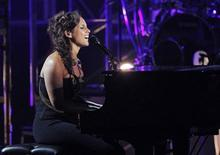 <p>Singer Alicia Keys performs at the 2011 BET Awards in Los Angeles, June 26, 2011. REUTERS/Mario Anzuoni</p>