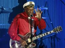 <p>Rock and roll legend Chuck Berry performs during the Bal de la Rose in Monte Carlo March 28, 2009. REUTERS/Eric Gaillard</p>
