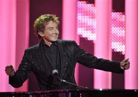 Barry Manilow performs at the annual Nobel Peace Prize Concert in Oslo December 11, 2010. REUTERS/Toby Melville