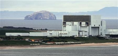 A general view of Torness nuclear power station near Edinburgh in East Lothian, Scotland May 23, 2007. REUTERS/David Moir