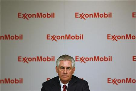 Exxon Mobil CEO Rex W. Tillerson addresses the media at a news conference at the conclusion of the Exxon Mobil Shareholders Meeting in Dallas, Texas May 27, 2009. REUTERS/Jessica Rinaldi