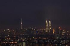 <p>A view of the skyline of Malaysia's capital Kuala Lumpur September 21, 2010. REUTERS/Bazuki Muhammad</p>