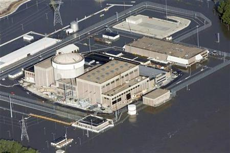 An aerial view of the Fort Calhoun Nuclear Power Plant in eastern Nebraska, surrounded by Missouri River flood waters June 24, 2011. REUTERS/Lane Hickenbottom