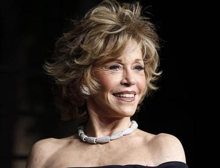 Actress Jane Fonda arrives at the 2011 Vanity Fair Oscar party in West Hollywood, California February 27, 2011. REUTERS/Danny Moloshok