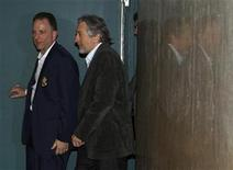 <p>Actor Robert De Niro (R) exits a Manhattan Supreme Court courtroom after testifying in a case against art dealer Leigh Morse in New York March 18, 2011. REUTERS/Brendan McDermid</p>