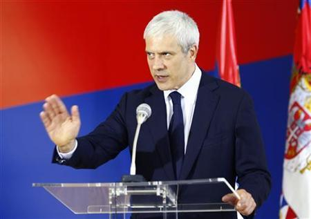 Serbia's President Boris Tadic speaks during an urgent media conference in Belgrade, July 20, 2011. REUTERS/Ivan Milutinovic