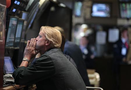Traders work on the floor of the New York Stock Exchange, August 4, 2011. REUTERS/Brendan McDermid