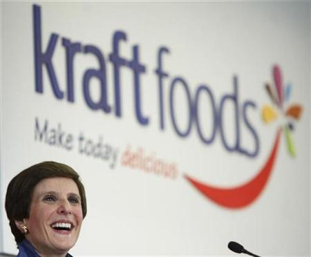 Kraft Foods Inc CEO Irene Rosenfeld speaks at the company's headquarters during the launch of their new corporate logo, in Northfield, Illinois, February 10, 2009. REUTERS/John Gress