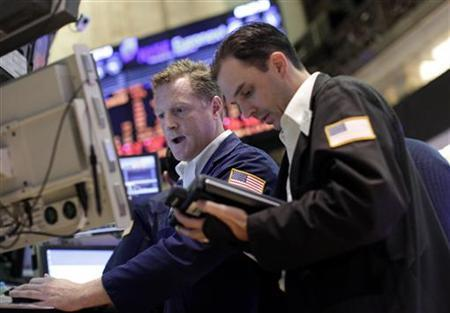 Traders work on the floor of the New York Stock Exchange, August 5, 2011. REUTERS/Brendan McDermid