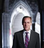 <p>Bank of Canada Governor Mark Carney arrives to testify before the House of Commons finance committee on Parliament Hill in Ottawa August 19, 2011. REUTERS/Chris Wattie</p>
