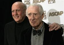 <p>Song writers Mike Stoller (L) and Jerry Leiber arrive at the 25th Annual ASCAP Pop Music Awards at the Kodak theatre in Hollywood, California, April 9, 2008. REUTERS/Danny Moloshok</p>