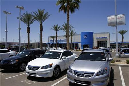 Honda Accords sit parked outside SanTan Honda Superstore in Chandler, Arizona in this June 2, 2011 file photo. REUTERS/Joshua Lott