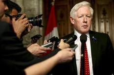 <p>Liberal Party leader Bob Rae comments on the government's budget on Parliament Hill in Ottawa June 6, 2011. REUTERS/Dave Chan</p>