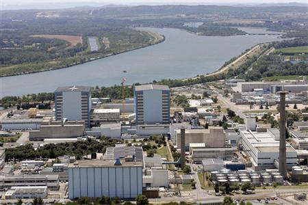 A general view shows the French nuclear site of Marcoule in southeastern France in this July 8, 2009 file photo. REUTERS/Sebastien Nogier/Files