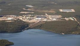 <p>An aerial view of Cameco's Cigar Lake uranium mine site in northern Saskatchewan September 3, 2010. REUTERS/David Stobbe</p>