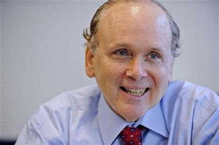 Daniel Yergin, co-founder and chairman of Cambridge Energy Research Associates, addresses the Reuters Energy Summit in Washington June 1, 2009. REUTERS/Jonathan Ernst