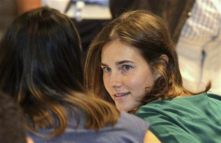Amanda Knox, the U.S. student convicted of killing her British flatmate Meredith Kercher in Italy on November 2007, sits in the courtroom to attend her appeal trial session in Perugia September 7, 2011. REUTERS/Giorgio Benvenuti
