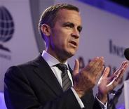 <p>Canada's Central Bank Governor Mark Carney delivers remarks at the Institute of International Finance (IIF) annual meeting in Washington September 25, 2011. REUTERS/Yuri Gripas</p>