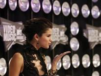 <p>Singer Selena Gomez arrives at the 2011 MTV Video Music Awards in Los Angeles August 28, 2011. REUTERS/Mario Anzuoni</p>