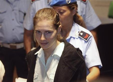Amanda Knox, the U.S. student convicted of murdering her British flatmate Meredith Kercher in Italy on November 2007, arrives at her appeal trial session in Perugia September 24, 2011. REUTERS/Giorgio Benvenuti