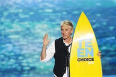 <p>Comedian and talk show host Ellen DeGeneres speaks after receiving the Choice Comedian Award at the Teen Choice Awards at the Gibson amphitheater in Universal City, California August 7, 2011. REUTERS/Mario Anzuoni</p>