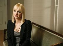 "<p>Actress Anna Faris poses for photos in promotion of her upcoming film ""What's Your Number?"" in Santa Monica, California, September 17, 2011. REUTERS/Jason Redmond</p>"